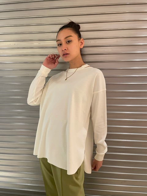 CRESCENT MOON SLIT LONG TEE(NEW COLOR)
