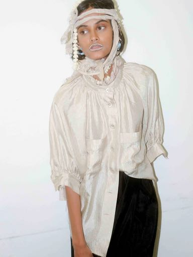 SATIN PUFFY MAO COLLAR SHIRT