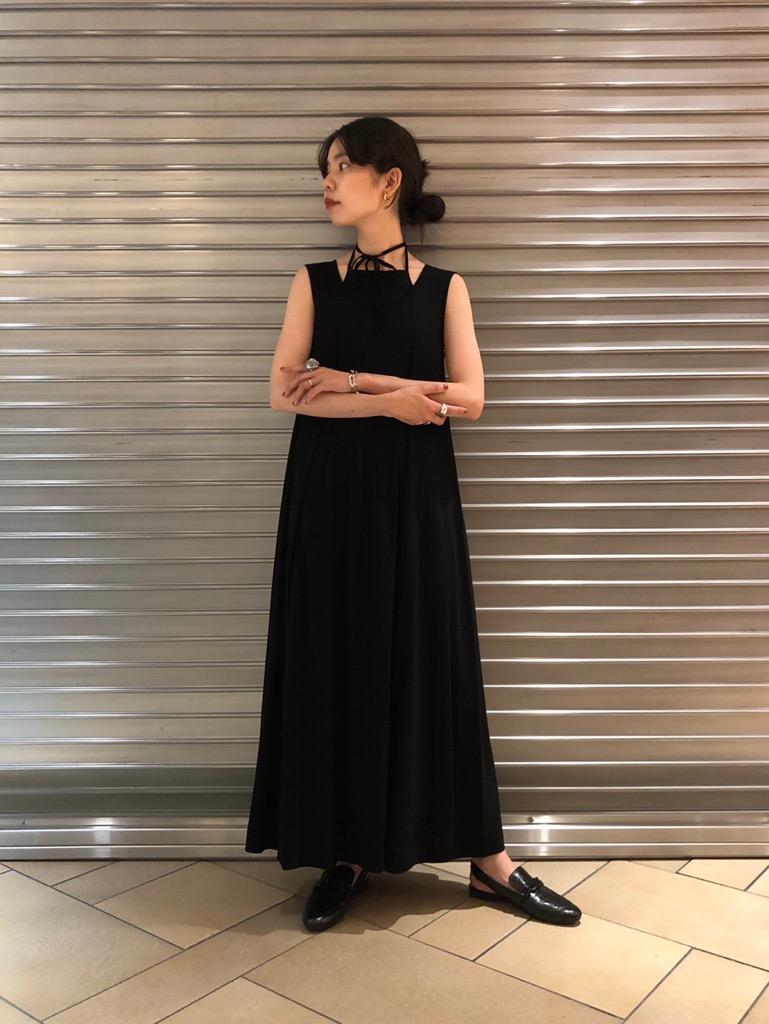 holdert neck dress