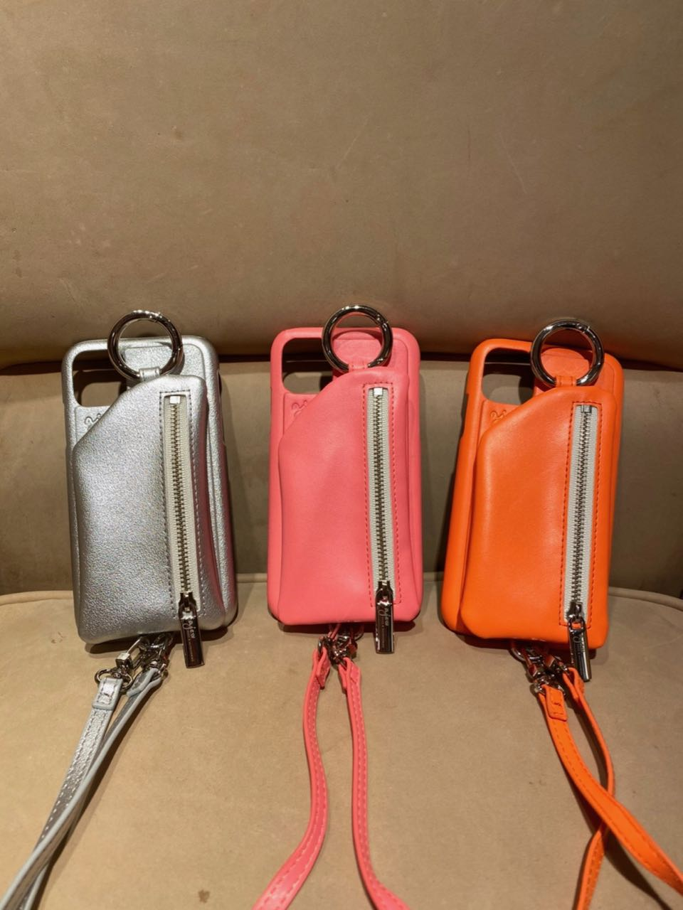 cadenas zipphone neon shoulder
