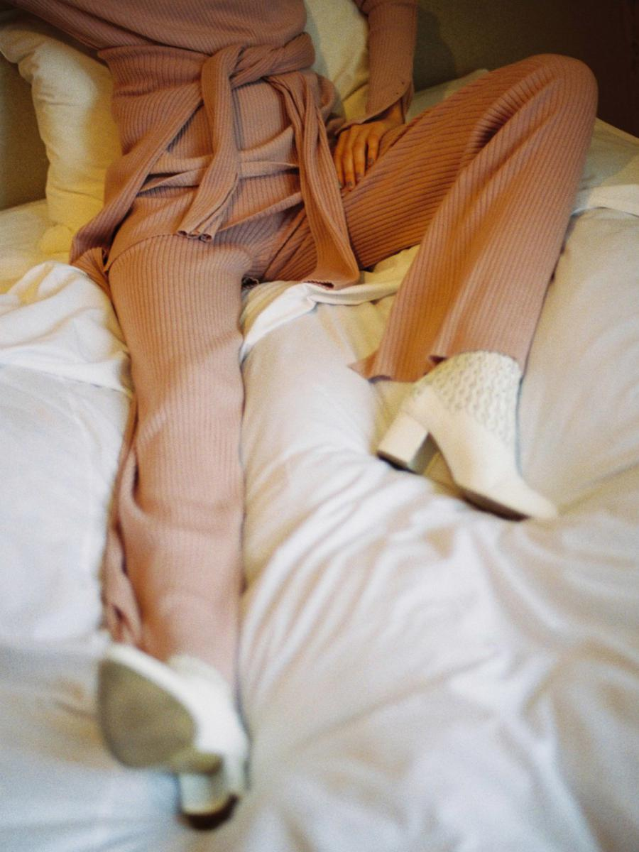 MOIST RIB PANTS