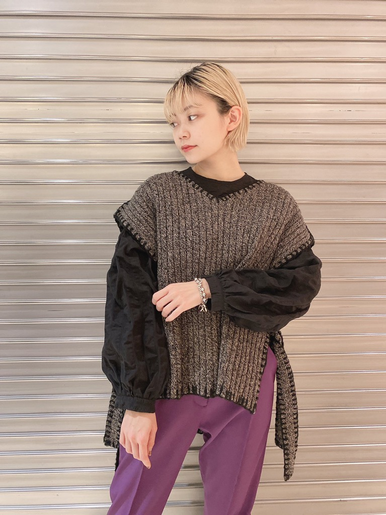 【再入荷】BACK RIBBON BLOUSE